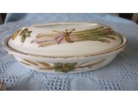Oval Porcelain Worcester 'Evesham' Serving Dish.
