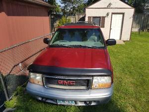 1999 GMC Jimmy Grey SUV, Crossover