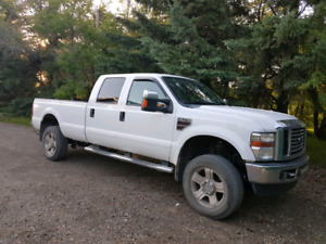2008 Ford F350 Lariat Diesel loaded mint.