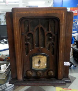 Vintage 1930's Tube Radio - BLUE JAR Antique Mall