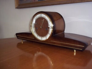 Horloge German Forestville Mantle/Mantel Clock a vendre