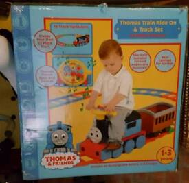 Toddler Thomas 4ide on train and track