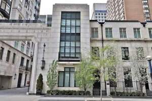 Elegant Townhome Designed By World-Renowned Architect