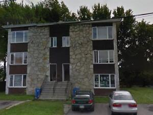 5 1/2 disponible, location immediate Valleyfield