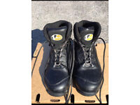 Safety boots for work size 8