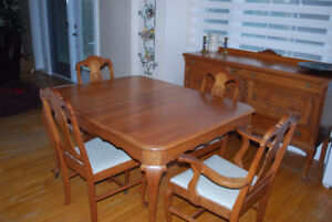 Gibbard Dining Room Set, 10 pieces, NEEDS TO GO