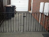 Driveway wrought iron gates second hand, to fit opening of 225cm to 225cm with adjustable hinges