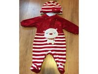 Design baby Christmas outfit 0-3 months