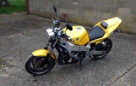 YAMAHA FZR1000 EXUP STREETFIGHTER (yellow) 1991