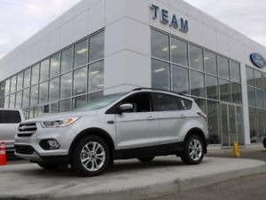 2017 Ford Escape SE, 4WD, 201a pkg, NAV, Twin panel moonroof, SY