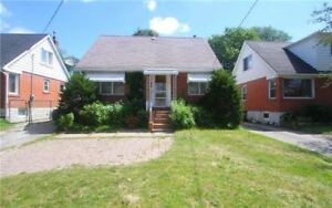Steps To Bloor Subway! 3 Bedroom Home Is Situated On Stonegate!!