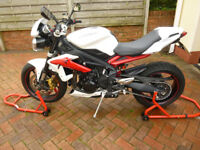 TRIUMPH STREET TRIPLE R IMMACULATE 6600 MILES 2013