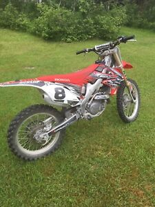 2010 CRF450r GREAT CONDITION