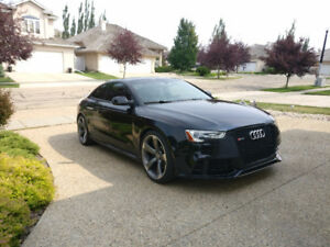 2013 Audi RS5 with Black Optics Package *MINT*