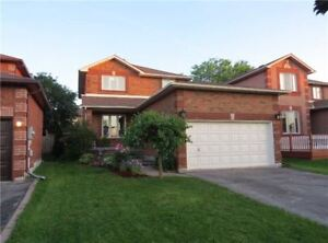 Beautiful and cozy 3 bedroom detached house, South Barrie