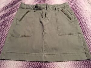 Woman's army green old navy skirt