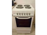 18 months old Royale cooker. Very clean and good wokring order. Can deliver