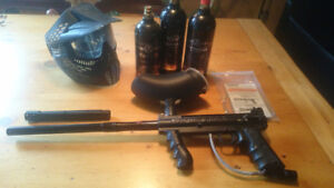 Paintball Marker - Tippmann 98 custom with 3 Tanks and mask