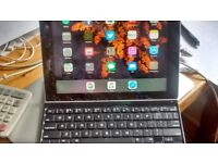 iPad 3 and Logitech key board for sale - screen damaged; otherwise good condition