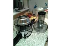 PHILIPS VIVA 700W FRUIT JUICER - Mint Condition