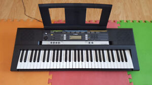 Yamaha keyboard PSR-E243 61key