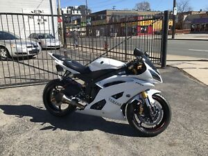 2015 Yamaha R6 - 22,000Km - $8000 Plus in upgrades!