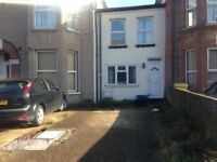 Nice 2 Bedroom House to Let on Quiet Road close to Goodmayes Station