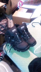 Awesome hike boot brand new tags still on asking 10