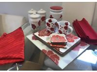 Coordinating Poppy Kitchenwear