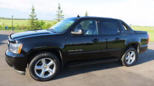 2011 CHEVROLET AVALANCHE LT LOADED