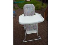 Lightweight portable CAM high chair