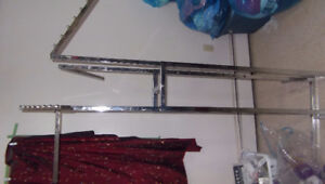 4 arm clothes rack