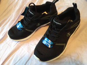 Brand New Champion running sneakers size 7