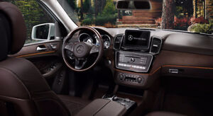 looking to buy a Brown 2017 Mercedes-Benz GLE400/43