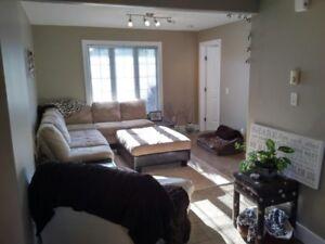 3 bed, main floor, fenced yard, in-floor heat - Morinville