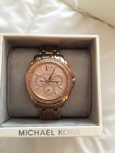 MICHAEL KORS WATCH.... ROSE GOLD