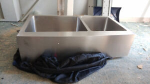 NEW! Kraus Apron Front Stainless 1-3/4 Sink