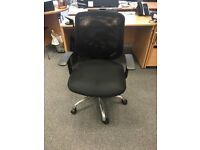 12 x Mesh Office Desk Chairs