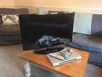"32"" SAMSUNG FLAT SCREEN TV AND SONY CD/DVD PLAYER IN 'as new' CONDITION"