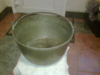 Brass cauldron style pot with a iron handle