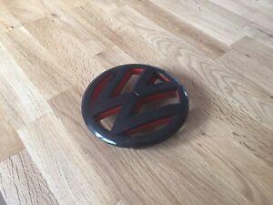 Emblème VW noir et rouge GTi mk6