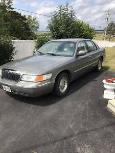 REDUCED 1999 Mercury Grand Marquis in Great condition!!