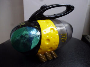 Summit Products Backyard Safari Bug Collector Flashlight