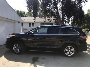 Toyota Highlander Limited AWD - with extended warranty