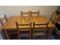 6 Seater kitchen table and chairs for sale!