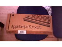 Apple Design Keyboard Vintage 1990's (M2891B/A)