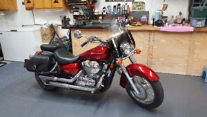 Like New-2011 Honda Shadow 750-Red