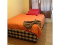 Double bedroom to let in houseshare at Stepney Green