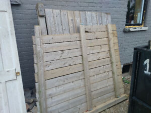 Free fence sections