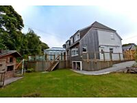 Aberdeen short term holiday/short break accommodation. 4 Bed Stunning semi detached house West End